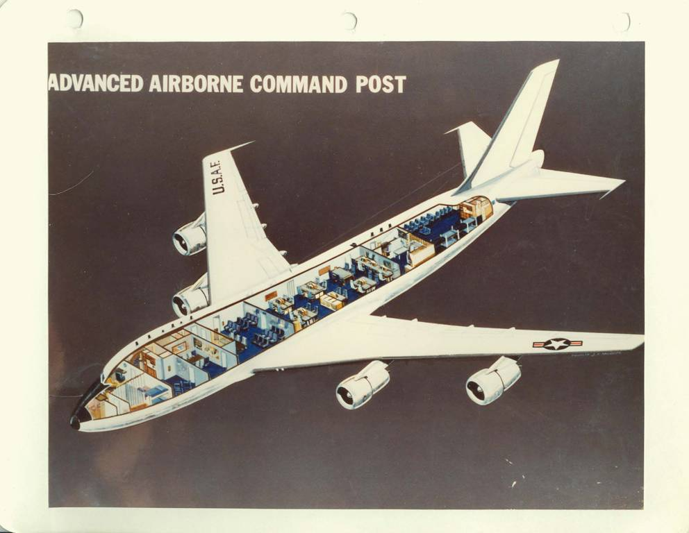 Guided Tour Inside The E 4b Naoc Doomsday Plane World Of Aviation